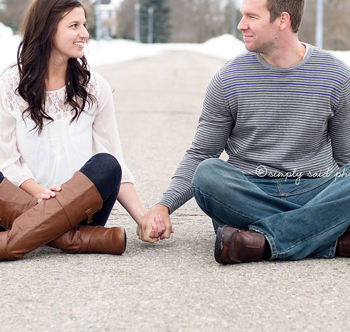 Winter Love  {Woodstock Ontario | Engagement Photography}