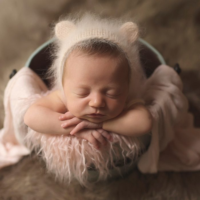 London Ontario Newborn Photographer { Posed newborn Photographer }